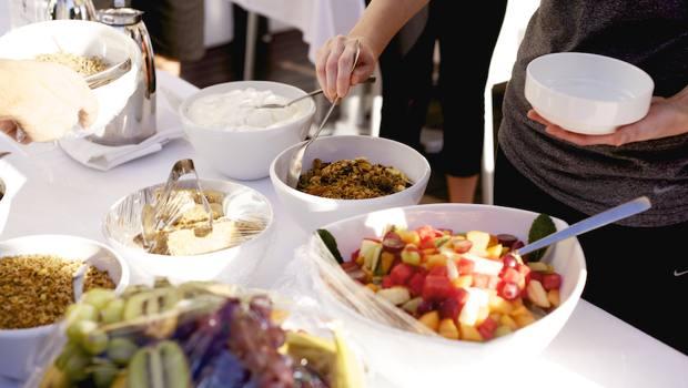 Γιατί όλοι οι διαιτολόγοι συστήνουν μικρά και συχνά γεύματα;