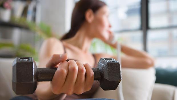 25 ιδέες για να γυμναστείς στο σπίτι