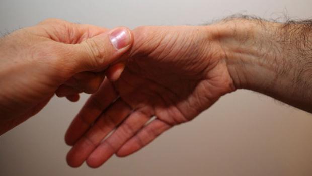 Στενωτική τενοντοελυτρίτιδα De Quervain – Επώδυνη φλεγμονή