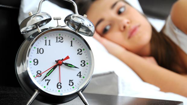 Δώσε τέλος στην αϋπνία με τα παρακάτω έξυπνα τρικ