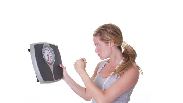 Για να χάσω βάρος πρέπει να ακολουθώ συνέχεια αυστηρή δίαιτα;