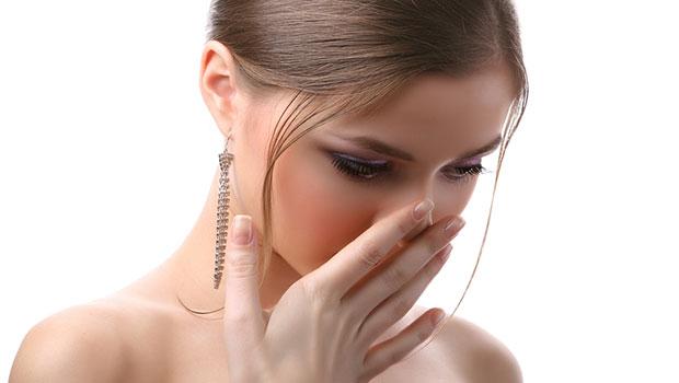 Πώς να αποφύγετε την κακοσμία του στόματος