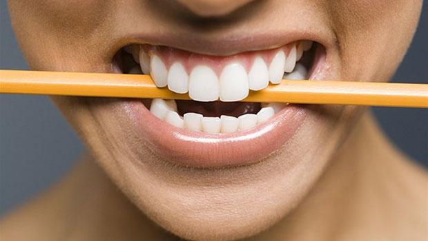 Τριγμός των δοντιών και αρθρίτιδα κροταφογναθικής άρθρωσης (Βρουξισμός)