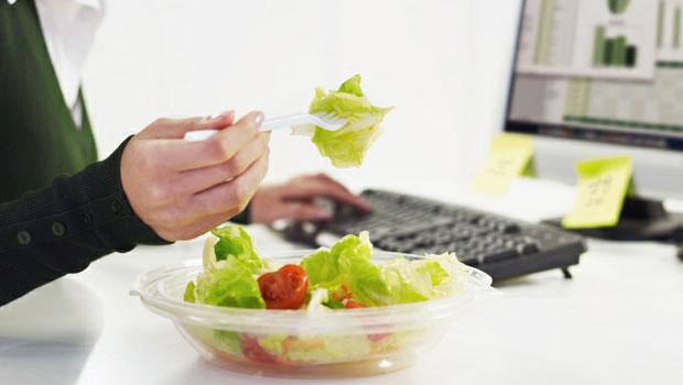 Μεσημεριανό στο γραφείο;