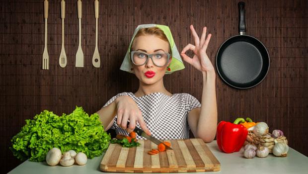 4 θαυματουργές τροφές που μειώνουν τους πόνους της περιόδου