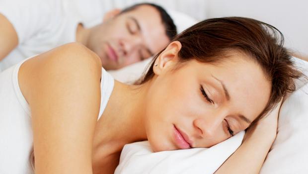 Περισσότερος ύπνος, λιγότερο φαγητό!