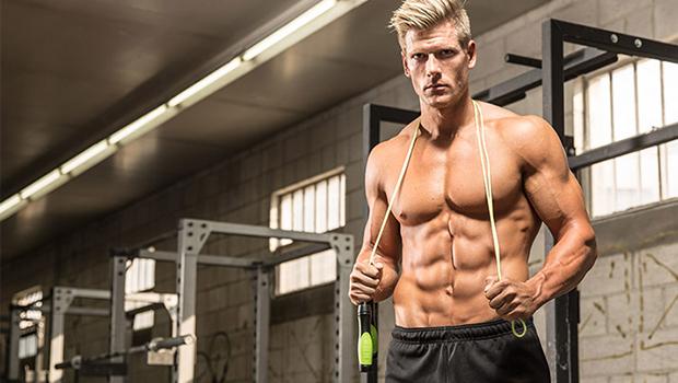 Κάψε το λίπος με συνεχόμενες ασκήσεις και σχοινάκι