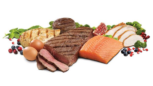 Εμμονή με την πρωτεΐνη: τι λένε οι αντικρουόμενες έρευνες