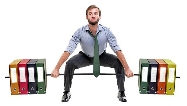 Πως να γυμναστείς στο γραφείο χωρίς να κουνηθείς