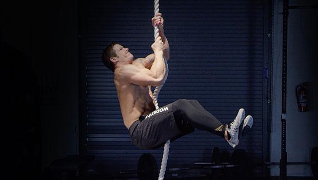 L-sit rope climb: Η άσκηση που θα τελειοποιήσει την πλάτη σου