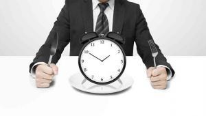 Γιατί δεν χρειάζεται να τρώμε κάθε 3 ώρες