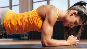 7 ασκήσεις για να γυμνάσεις όλο το σώμα χωρίς εξοπλισμό μέσα σε 10 λεπτά